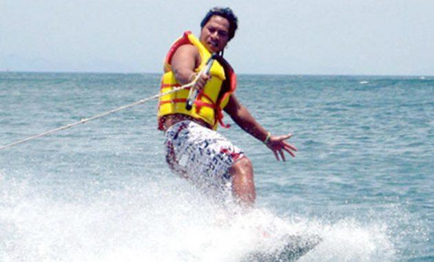 Pacu Adrenalinmu Dengan Wakeboard Tanjung Benoa